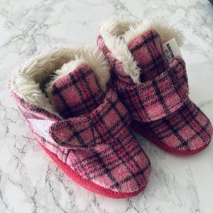 Pink checkered Minnetonka booties